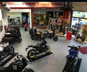 magasin yamaha moto cross id es d 39 image de moto. Black Bedroom Furniture Sets. Home Design Ideas